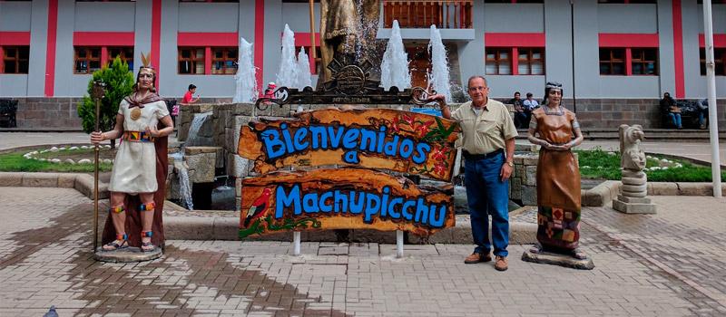 Plaza de Armas de Aguas calientes Machu Picchu